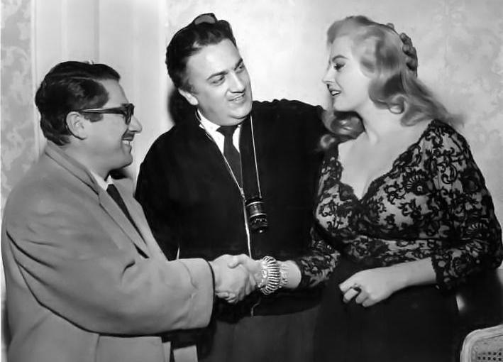 Ennio Flaiano, Federico Fellini e Anita Ekberg durante le riprese de La dolce vita, 1960 (Gazzetta del Popolo - archivio fotografico, cart. 242, busta 16796)
