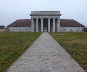 Salins-les-Bains, Edificio centrale
