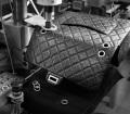7. Lavorazione e creazione della 2.55 handbag by CHANEL© - La borsa è ultimata