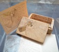 Iride Altara, scatola di legno, pergamena, carta stampata, china e oro, anni '50, Mostra Altara, THotel, Cagliari