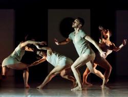 Una scena dello spettacolo, foto di Michelangelo Sardo