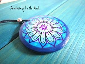 La Flor Azul, ciondolo