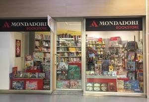 Il Mondadori Bookstore del Centro Commerciale I Mulini