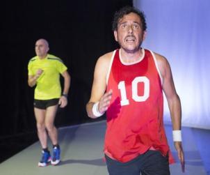 Maratona di New York, i protagonisti durante una scena dello spettacolo