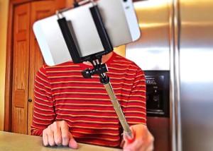 Selfie, www.mockupmagazine.it CC0 Public Domain