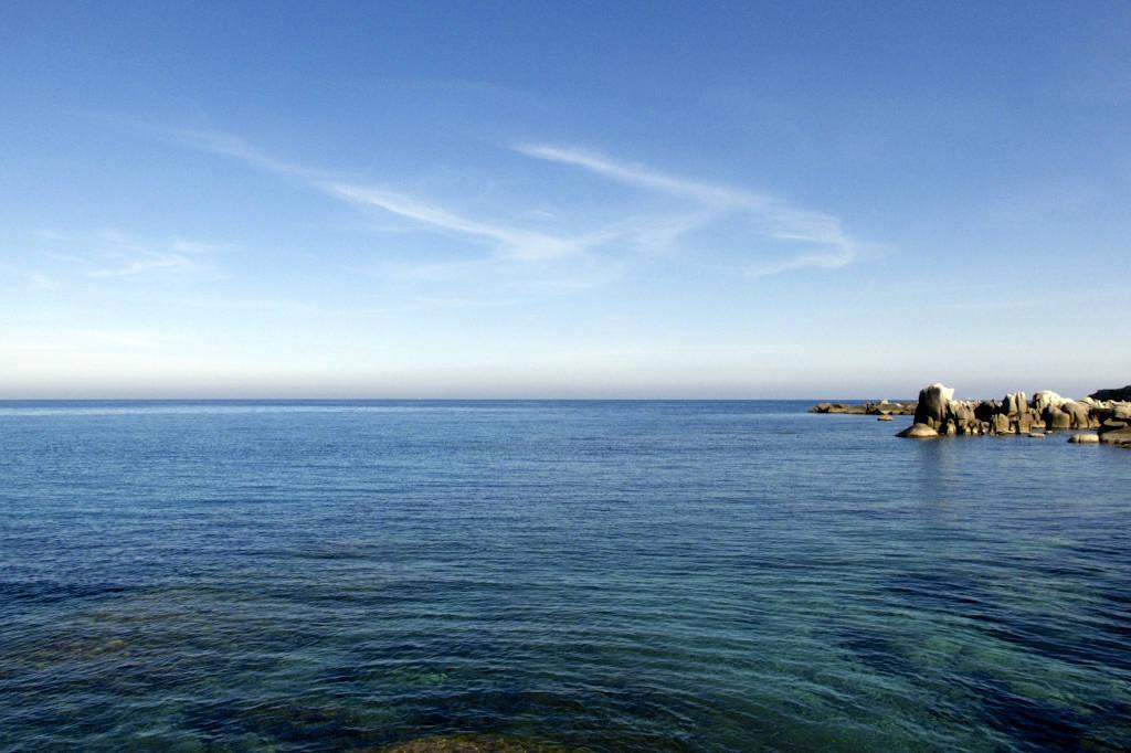 Nelle acque di Villasimius tutto il fascino di Pinuccio Sciola